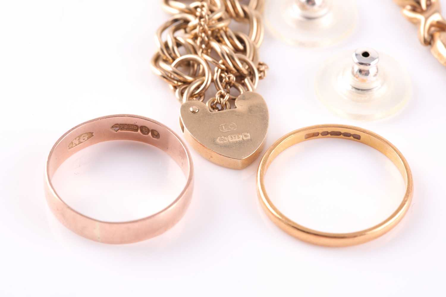 A 22ct gold wedding band; together with a 9ct gold wedding band; two chain link bracelets and a - Image 2 of 2