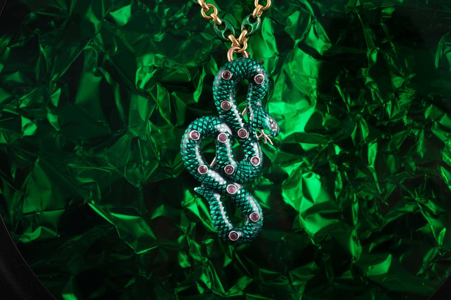An 18ct yellow gold Continental anchor-link chain, alternated with plain and green enamel links, - Image 6 of 6