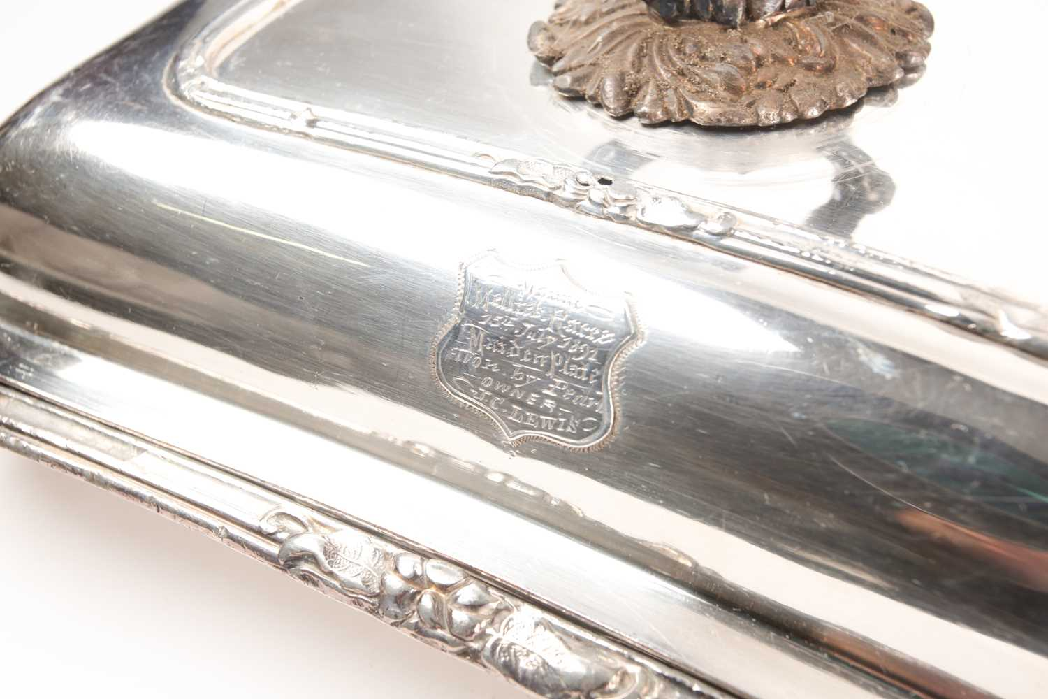 A pair of 19th century silver plated tureens and covers, the covers with shield shape cartouch - Image 2 of 5