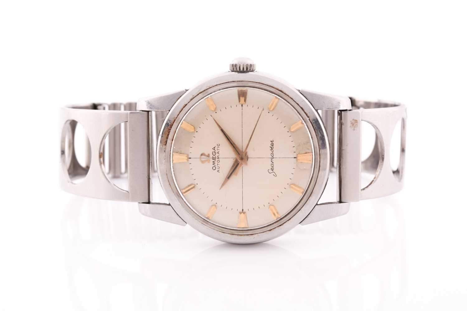 An Omega Seamaster automatic stainless steel wristwatch, the silvered dial with gilt baton
