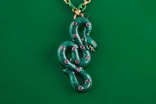 An 18ct yellow gold Continental anchor-link chain, alternated with plain and green enamel links,