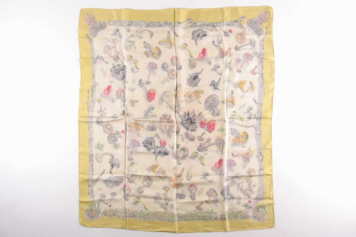 """A Hermes silk square scarf, """"Champignons"""", original design by Francois De la Pierre, the mushrooms - Image 2 of 3"""