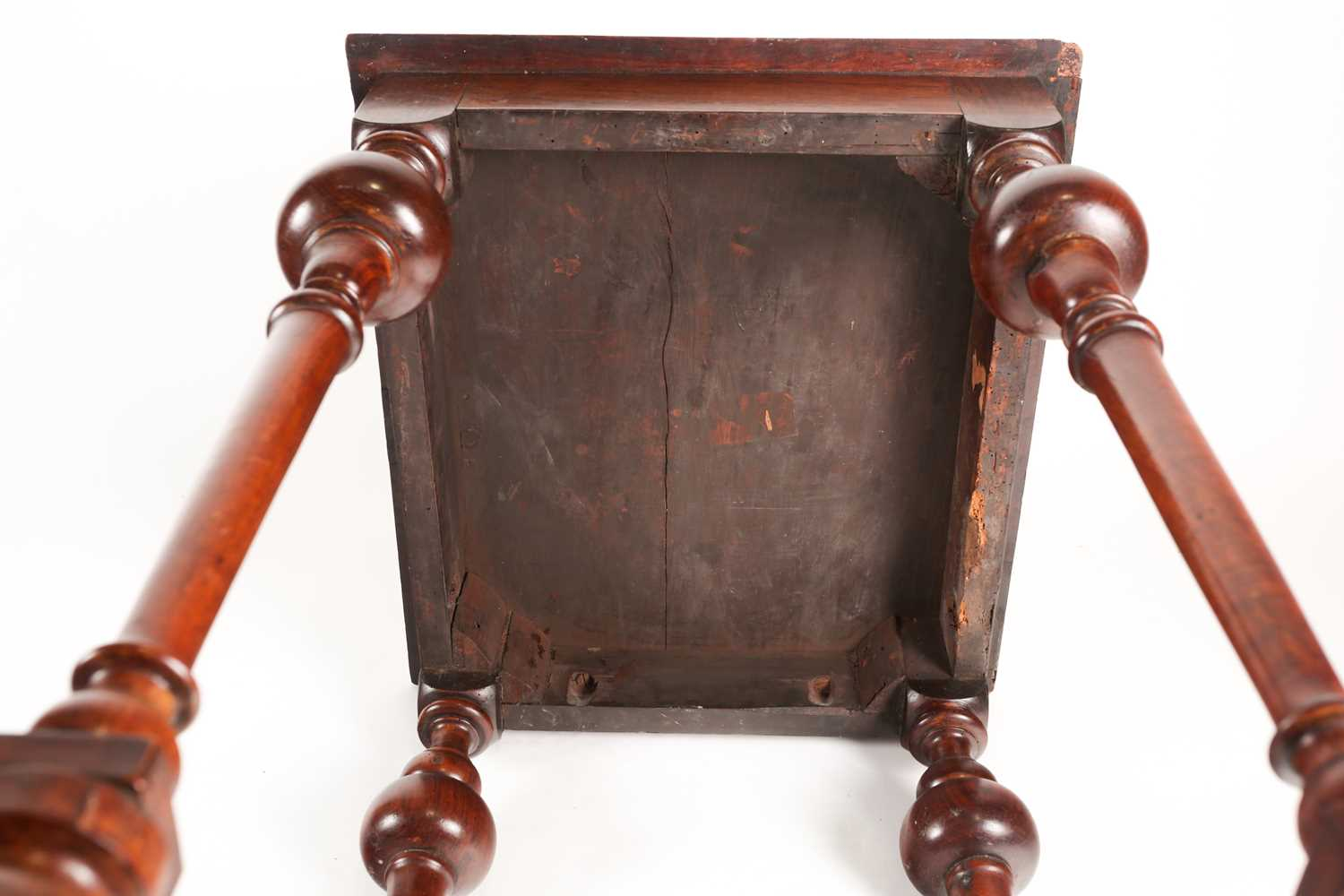 A late 17th-century style Dutch/ Portuguese rosewood, walnut and marquetry pedestal table. The top - Image 5 of 5
