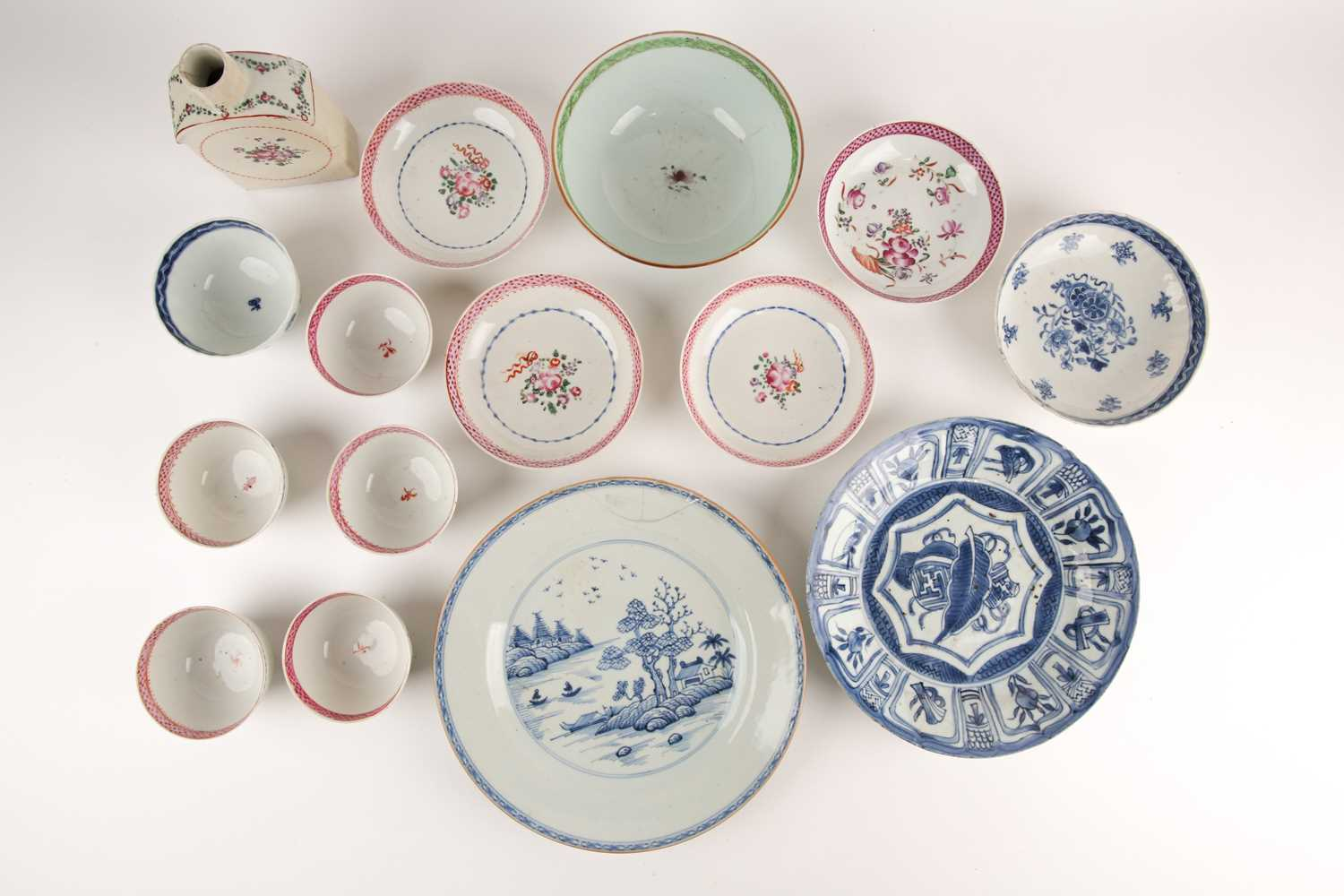 A Chinese blue & white Kraak dish, Wanli, early 17th century, painted to the centre with a leaf over - Image 5 of 5