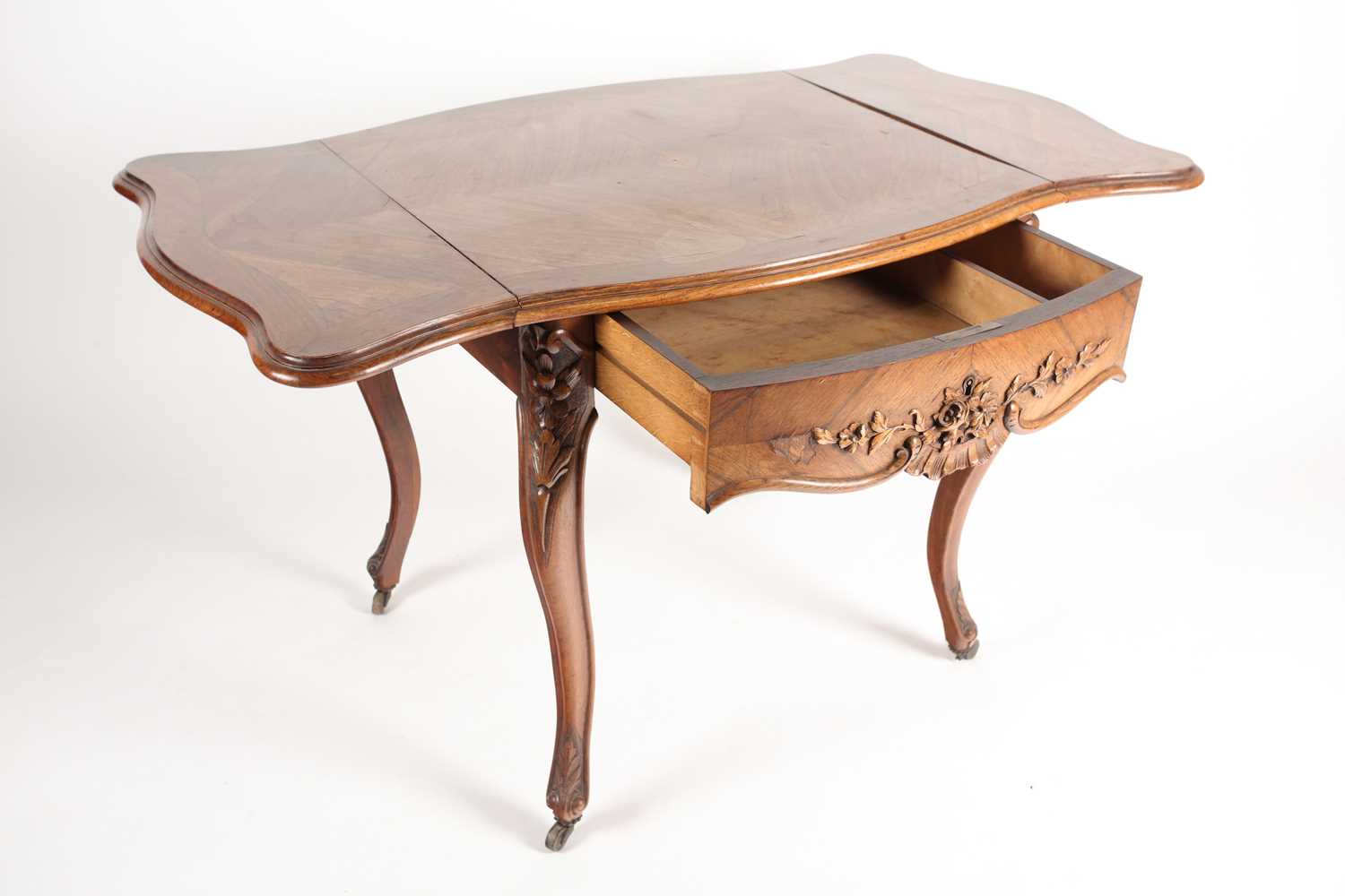 A Louis XV style two flap low rosewood table of serpentine form. Fitted a single frieze drawer - Image 4 of 7
