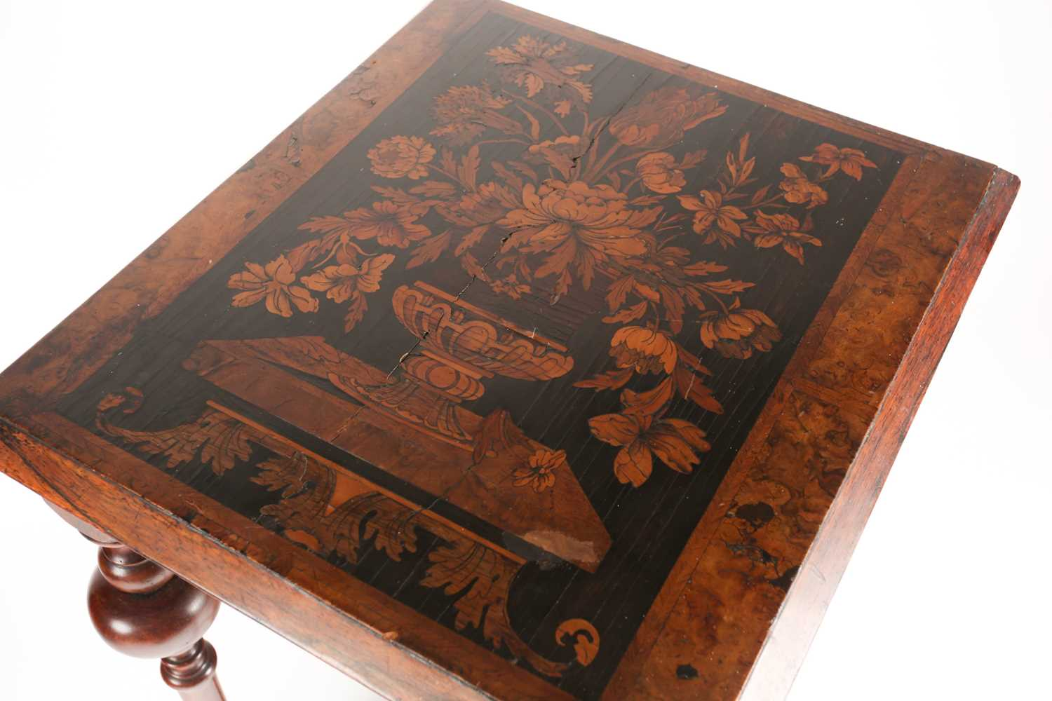 A late 17th-century style Dutch/ Portuguese rosewood, walnut and marquetry pedestal table. The top - Image 3 of 5