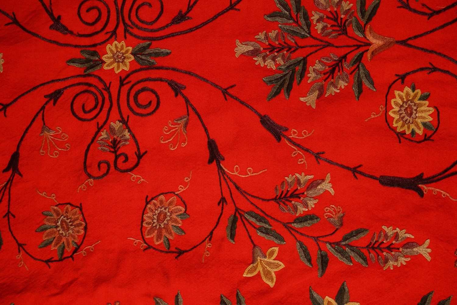 A 20th-century rectangular red ground Kashmiri wall hanging with needlework palmated flowering - Image 2 of 4