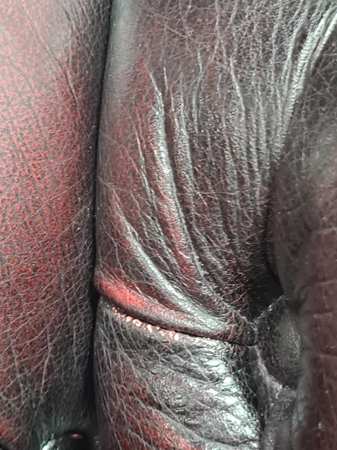 """A George III style deep button """"Ox Blood"""" hide upholstered hipped wing back fireside chair. With - Image 21 of 22"""