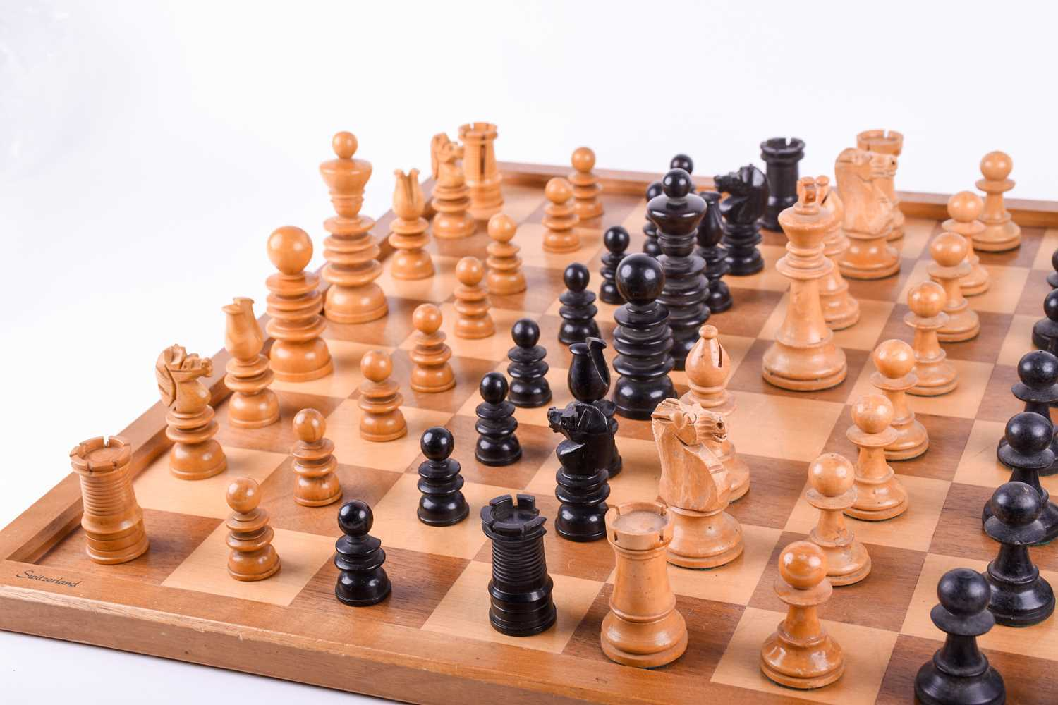 A 19th century turned boxwood and ebony chess set, together with an almost similar 20th century - Image 4 of 8