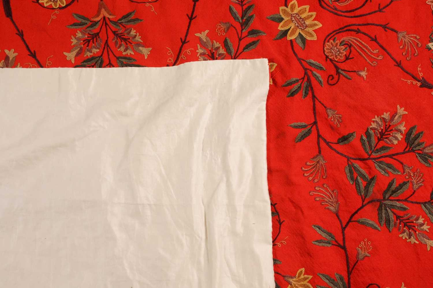 A 20th-century rectangular red ground Kashmiri wall hanging with needlework palmated flowering - Image 4 of 4
