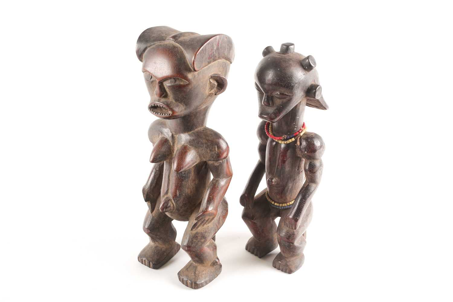A Fang seated male figure, Gabon, with knotted hair swept out at the rear, seated with his hands - Image 6 of 6