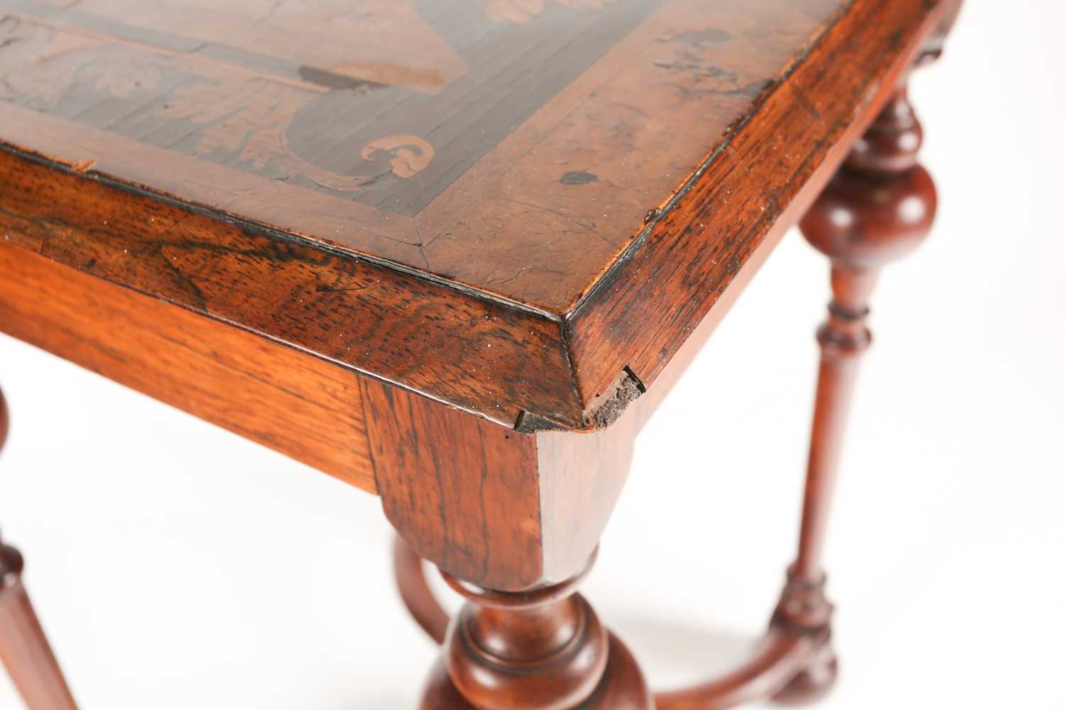 A late 17th-century style Dutch/ Portuguese rosewood, walnut and marquetry pedestal table. The top - Image 4 of 5