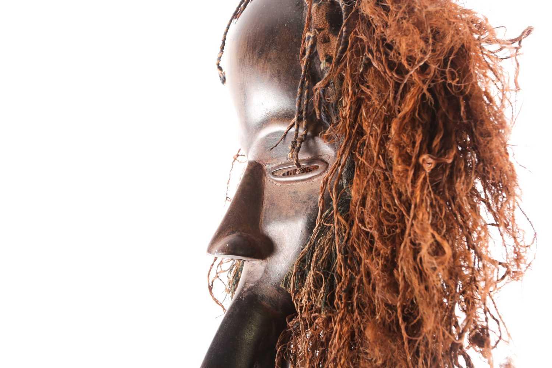 A Dan hornbill 'Kagle' mask, Liberia/Ivory Coast, the headdress of natural fibres, earth and - Image 3 of 3