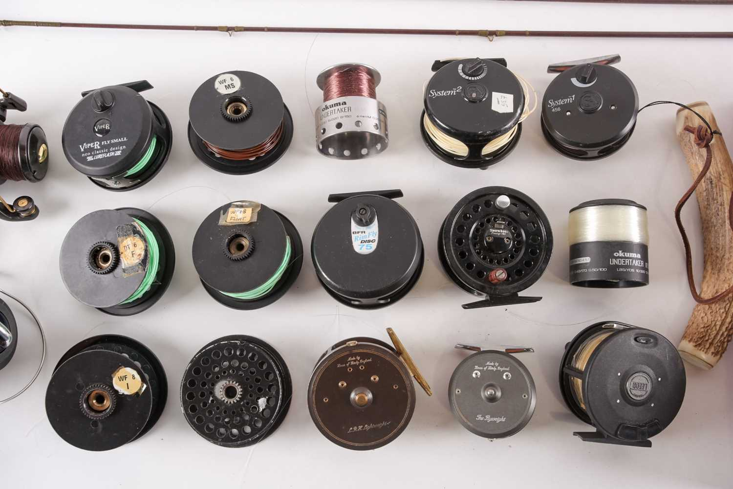 A collection of assorted fly (and other) fishing reels, to include 'The Flyweight' and 'LRH - Image 5 of 7