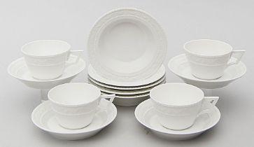Vier Teetassen mit Untertassen und fünf Dessertschalen, KPM Berlin,