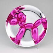 """Koons, Jeff (geb. 1955 York, Pennsylvania) """"Balloon Dog (Magenta)"""". Porzellan, metallplattiert. Min."""