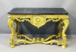 Prunkkonsole im Stil Louis XV. Vergoldetes Holz mit geschnitzten Voluten und Rocaillen. Rechteckige,