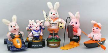 "6 Werbefiguren ""Duracell-Hase""."