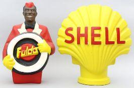"""Retro-Schild """"Shell"""" und Figur """"Fulda""""."""