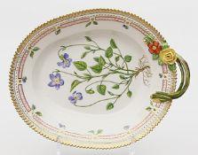 """Henkelschale """"Flora Danica"""", Royal Copenhagen."""