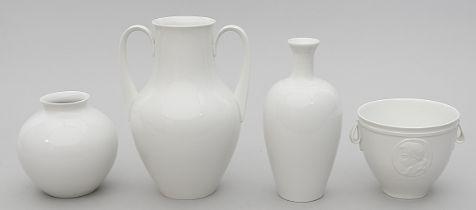 Mozart-Becher und drei Vasen, KP M Berlin.