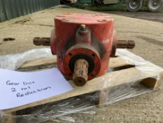 2-1 reduction Gearbox c/w 11/3 inch, 6 s