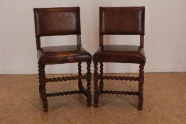 stel eiken stoelen met leer bekleed