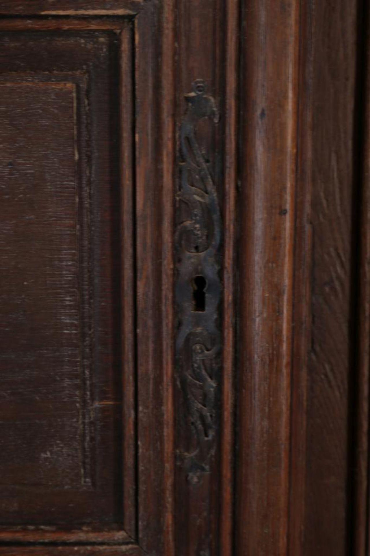 Eiken linnenkast met deur, Frankrijk - Image 3 of 4