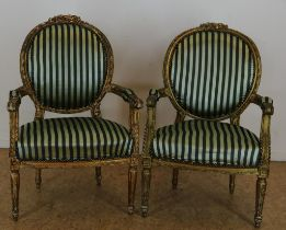 Stel vergulde Louis XVI-stijl armstoelen