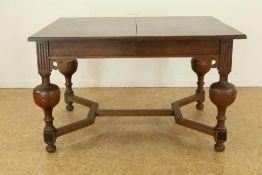 Eiken Renaissance-stijl tafel