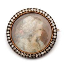 18krt. Roségouden en zilveren broche met portret miniatuur