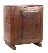 Solid oak 1-door cabinet on slipper legs