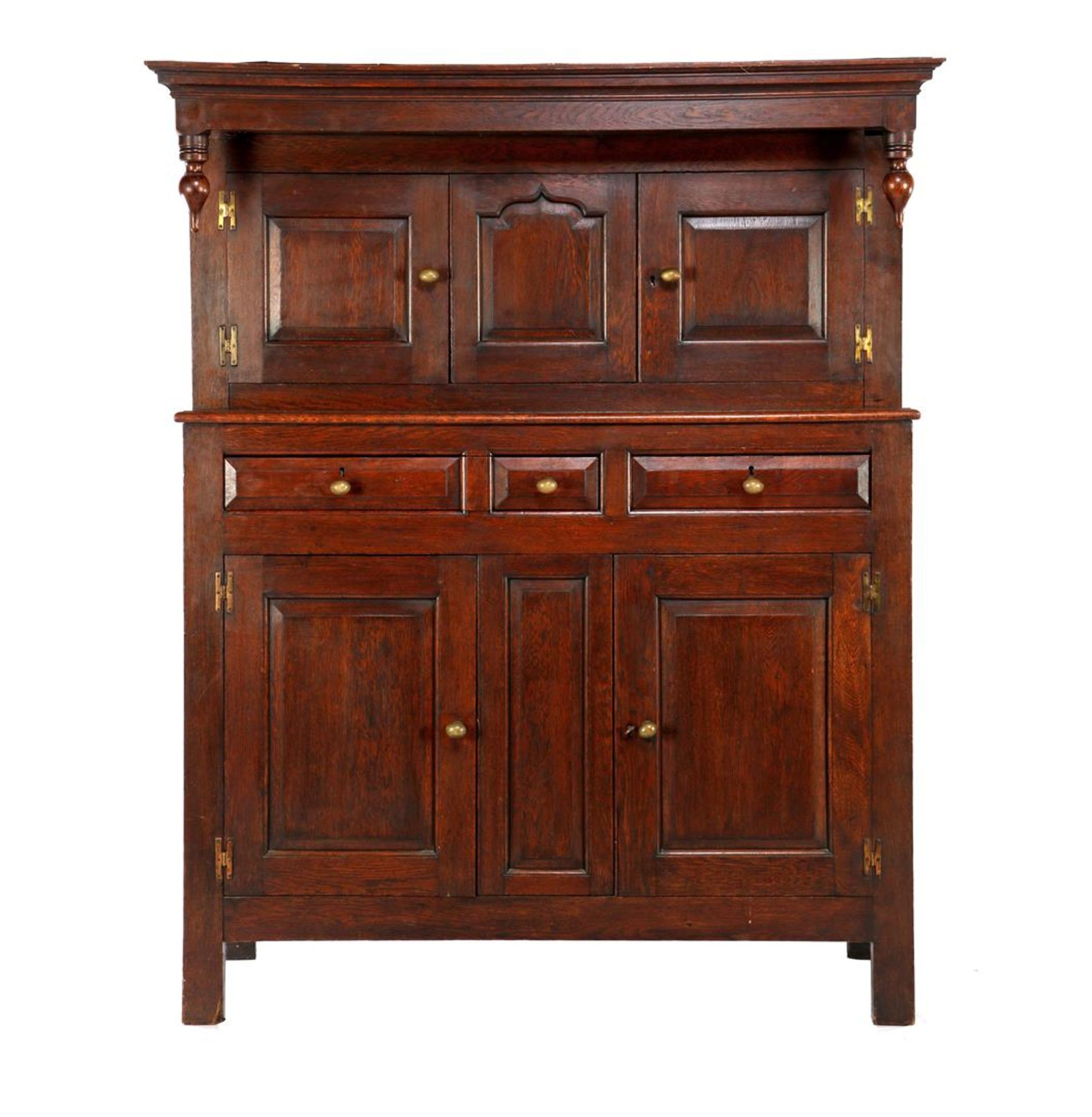 Oak English 2-part cabinet with 3-door base cabinet