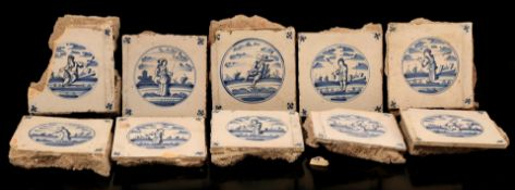 Box with earthenware tiles with blue decoration of figures, circa 1800
