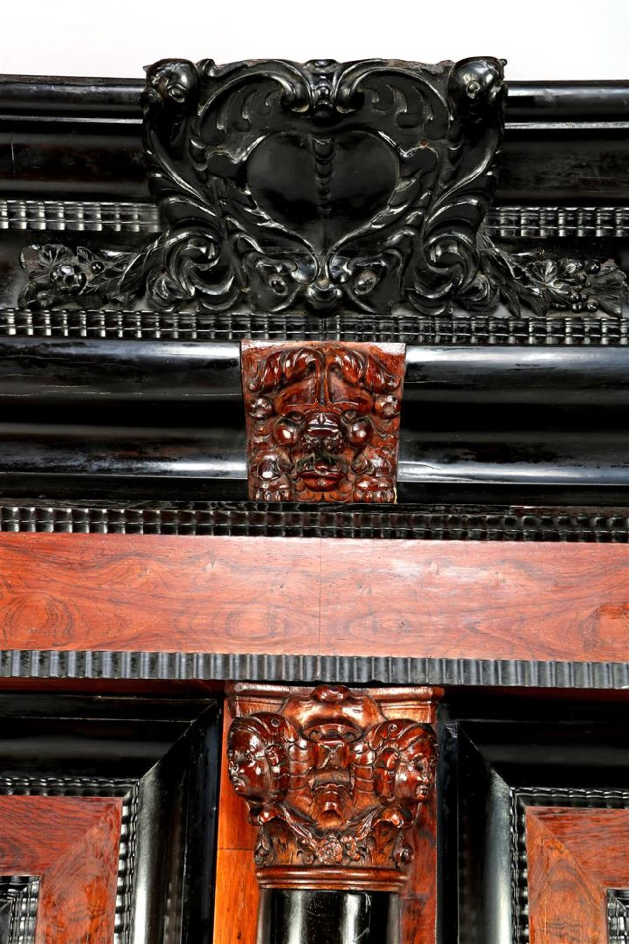 Baroque cushion cabinet - Image 2 of 5