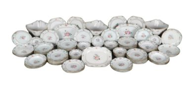 117-piece Chinese porcelain dinner set Famille Rose, Qianlong period