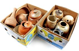 2 boxes with earthenware