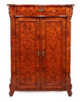 Grunderzeit verticot / maid's cupboard