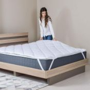 HYPOALLERGENIC MATTRESS PROTECTOR SIZE: KING SIZE. RRP £99.99