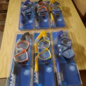 X 6 BRAND NEW MASK SNORKEL SETS IN THREE COLOURS.