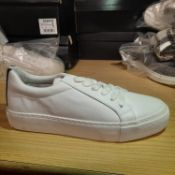 NEW & BAGUED WHITE STEEP LACE TRAINERS SIZES UK - 9/ EU - 43/ US - 10. RRP £39.99