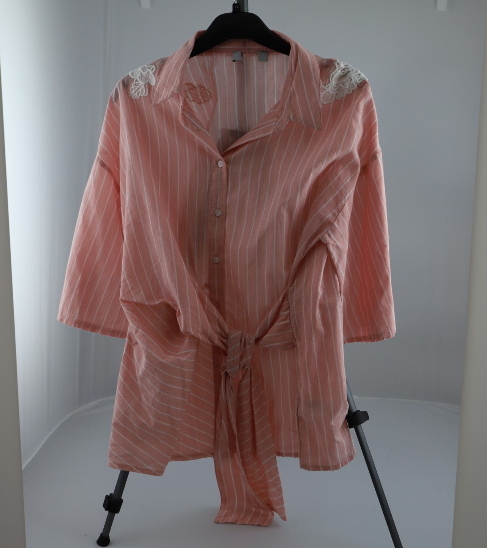 1 x mixed pallet = 196 items of Grade A M&S Womenswear. Approx Total RRP £4871.50 - Image 6 of 9