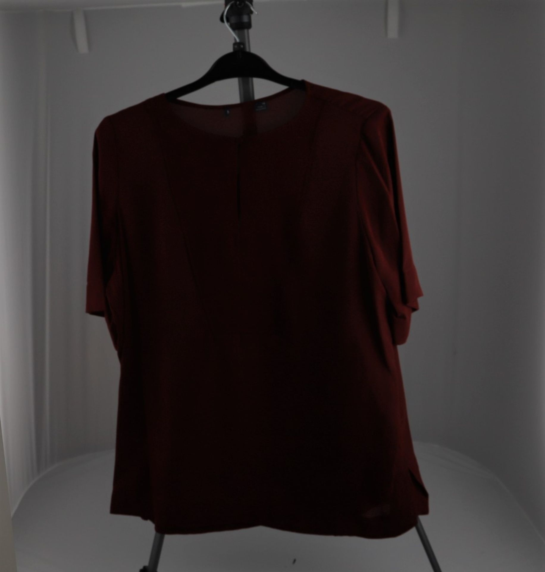 1 x mixed pallet = 204 items of Grade A M&S Womenswear. Approx Total RRP £5100.00 - Image 3 of 10