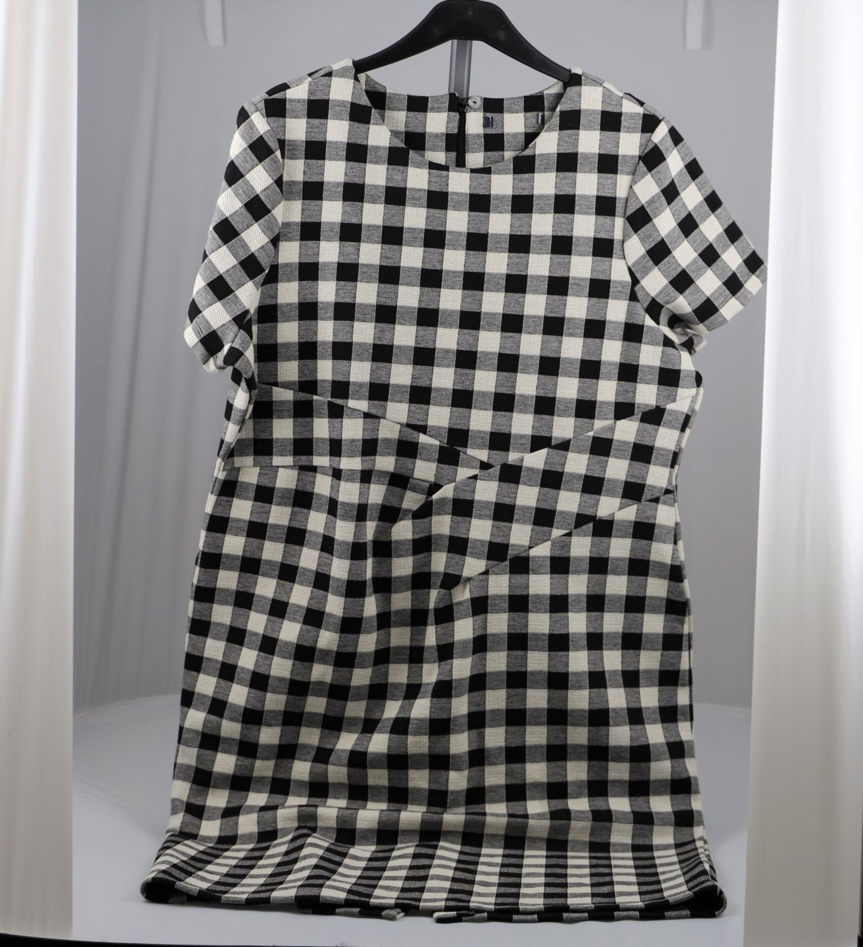 1 x mixed pallet = 159 items of Grade A M&S Womenswear. Approx Total RRP £5371.00 - Image 5 of 10