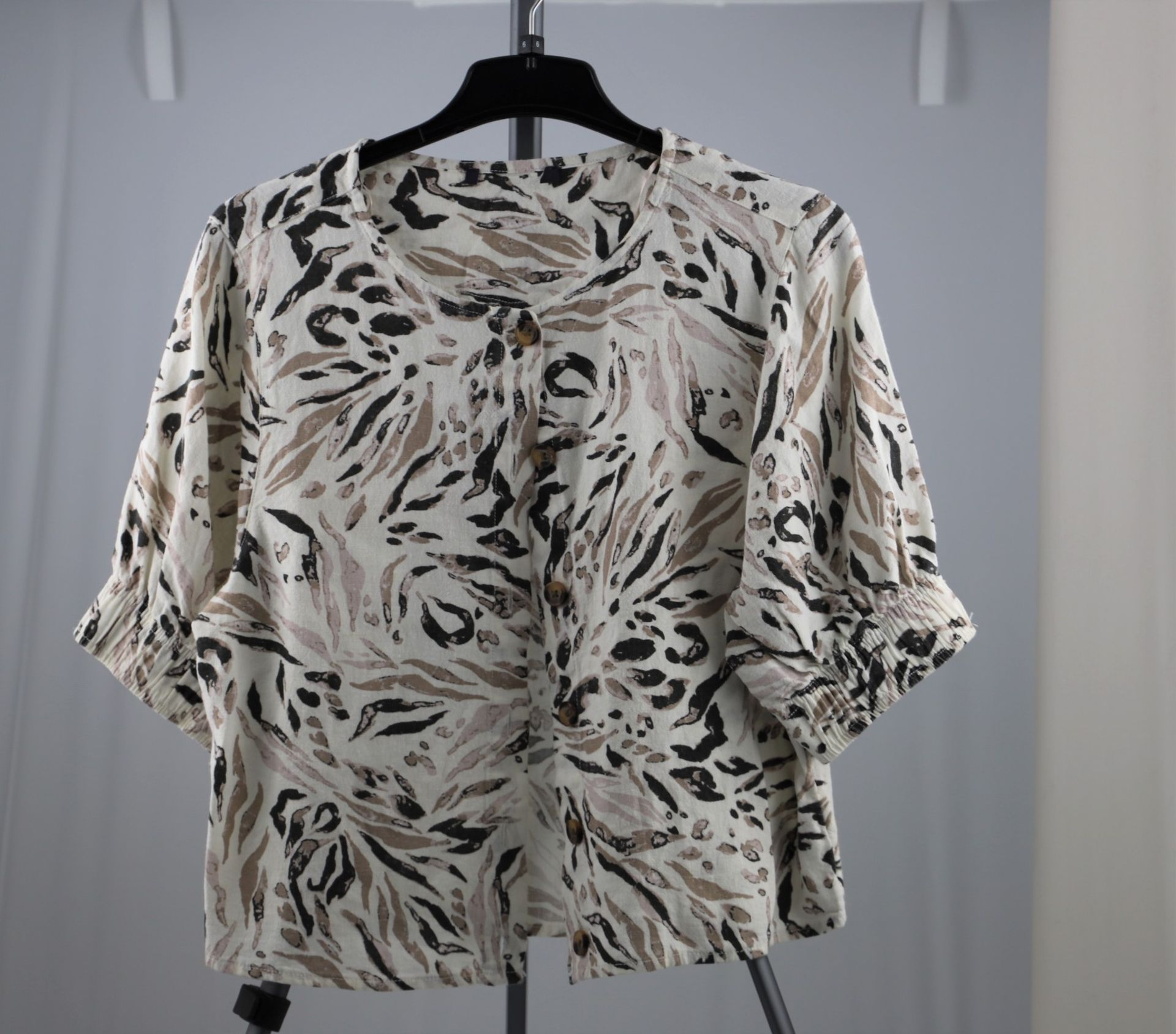 1 x mixed pallet = 306 items of Grade A M&S Womenswear. Approx Total RRP £6704.00 - Image 5 of 9
