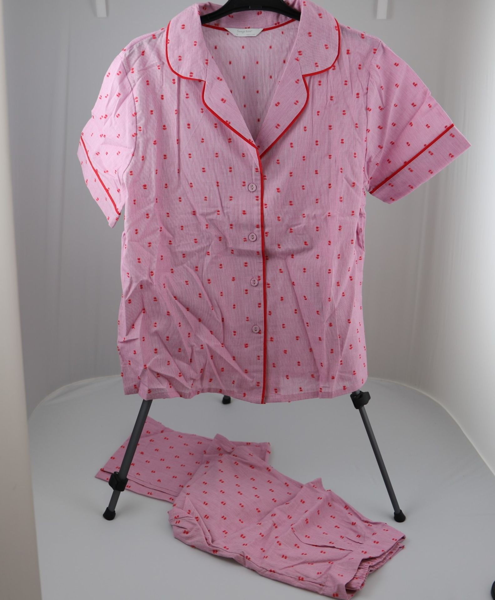 1 x mixed pallet = 148 items of Grade A M&S Lingerie. Approx Total RRP £3155 - Image 6 of 9
