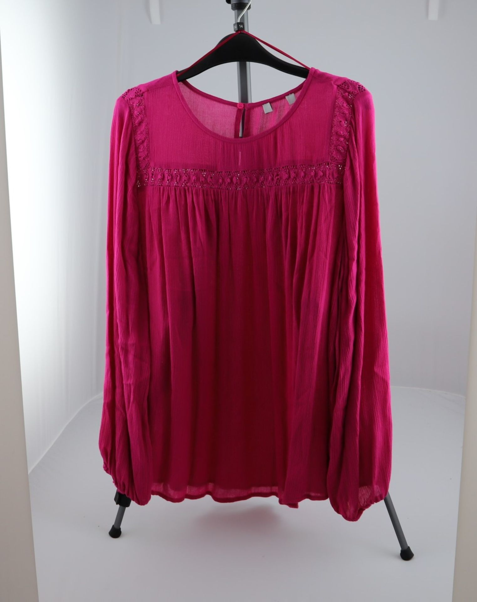 1 x mixed pallet = 314 items of Grade A M&S Womenswear. Approx Total RRP £8212.00 - Image 6 of 9