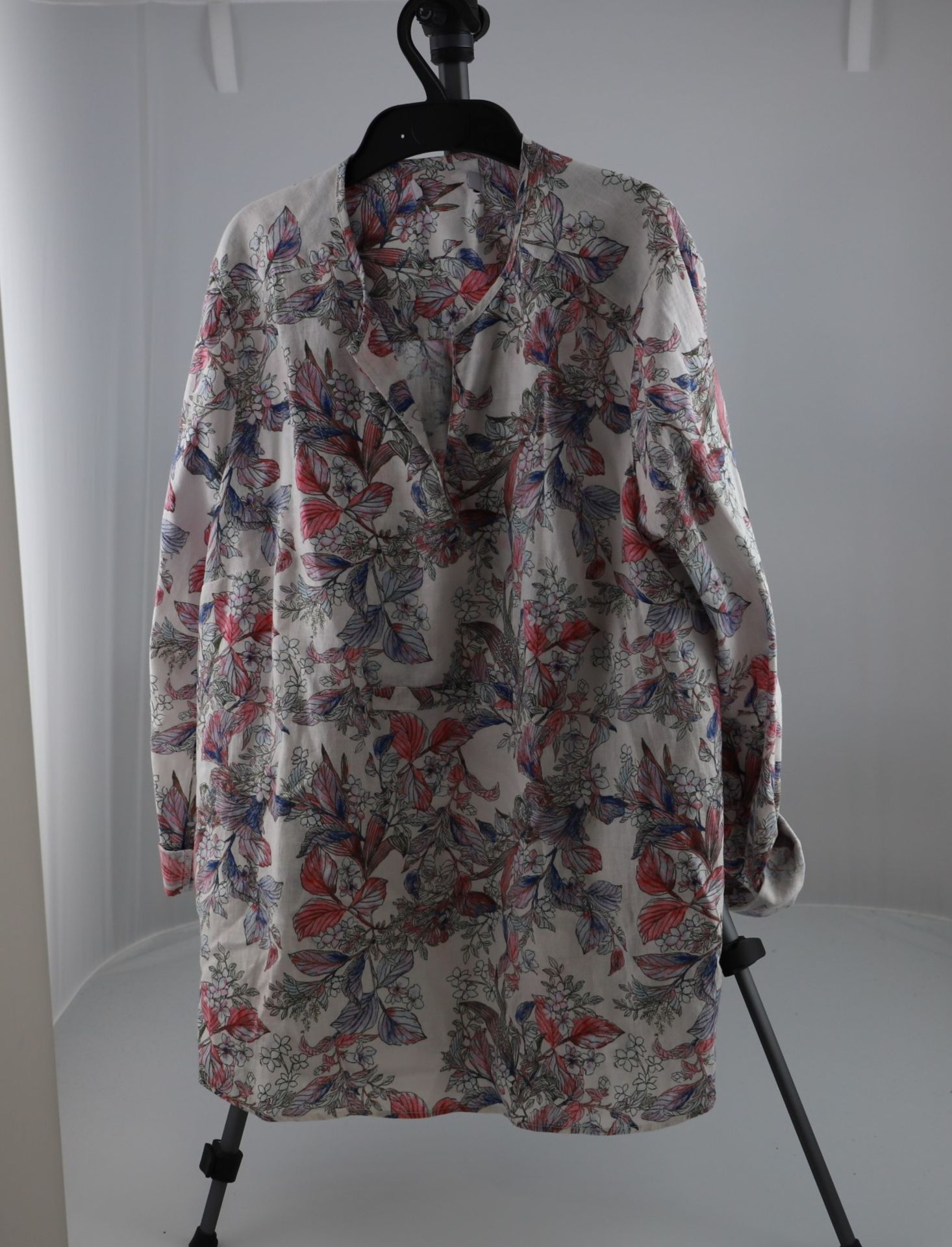 1 x mixed pallet = 196 items of Grade A M&S Womenswear. Approx Total RRP £4871.50 - Image 5 of 9
