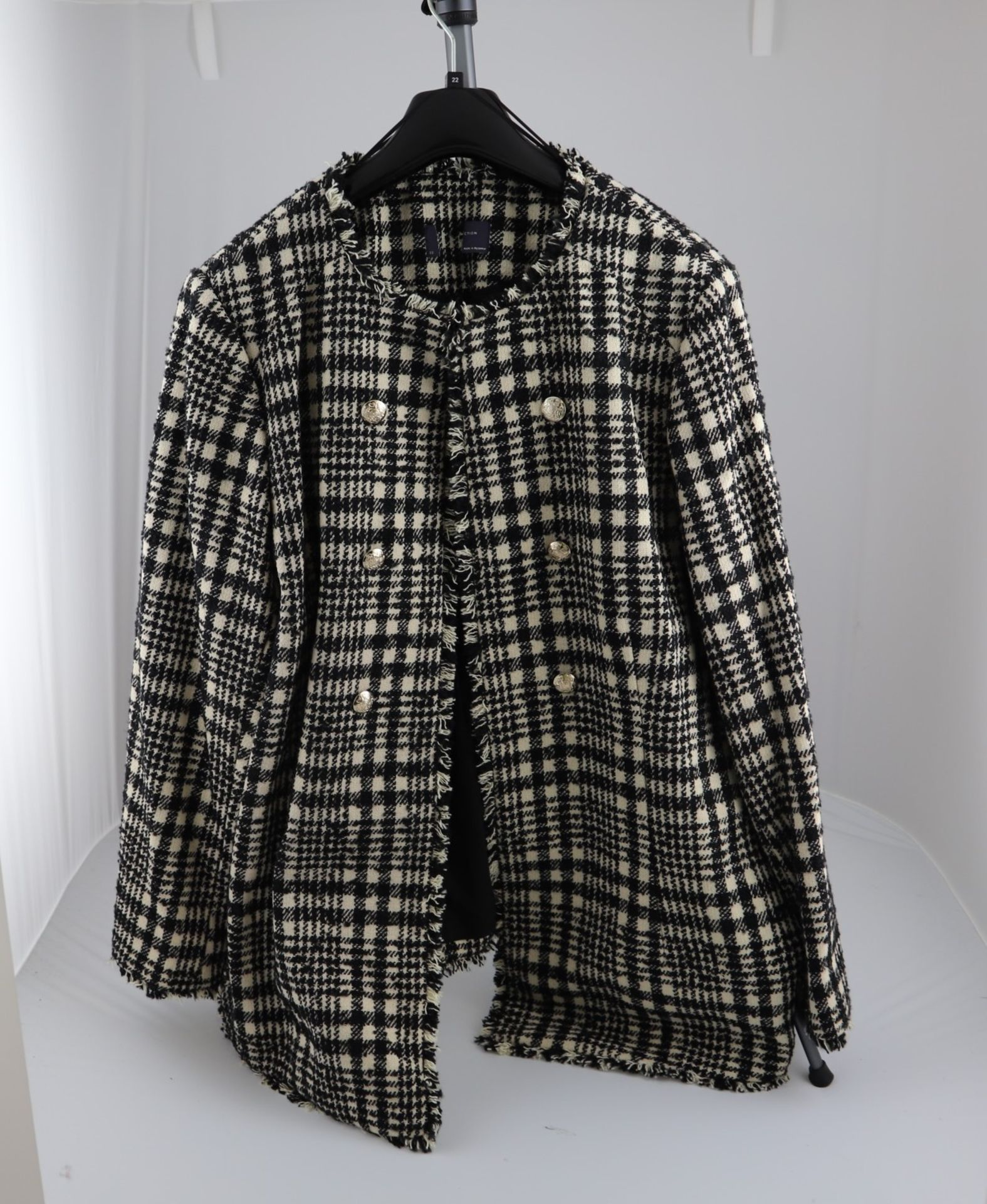 1 x mixed pallet = 127 items of Grade A M&S Womenswear. Approx Total RRP £5538.50 - Image 3 of 9
