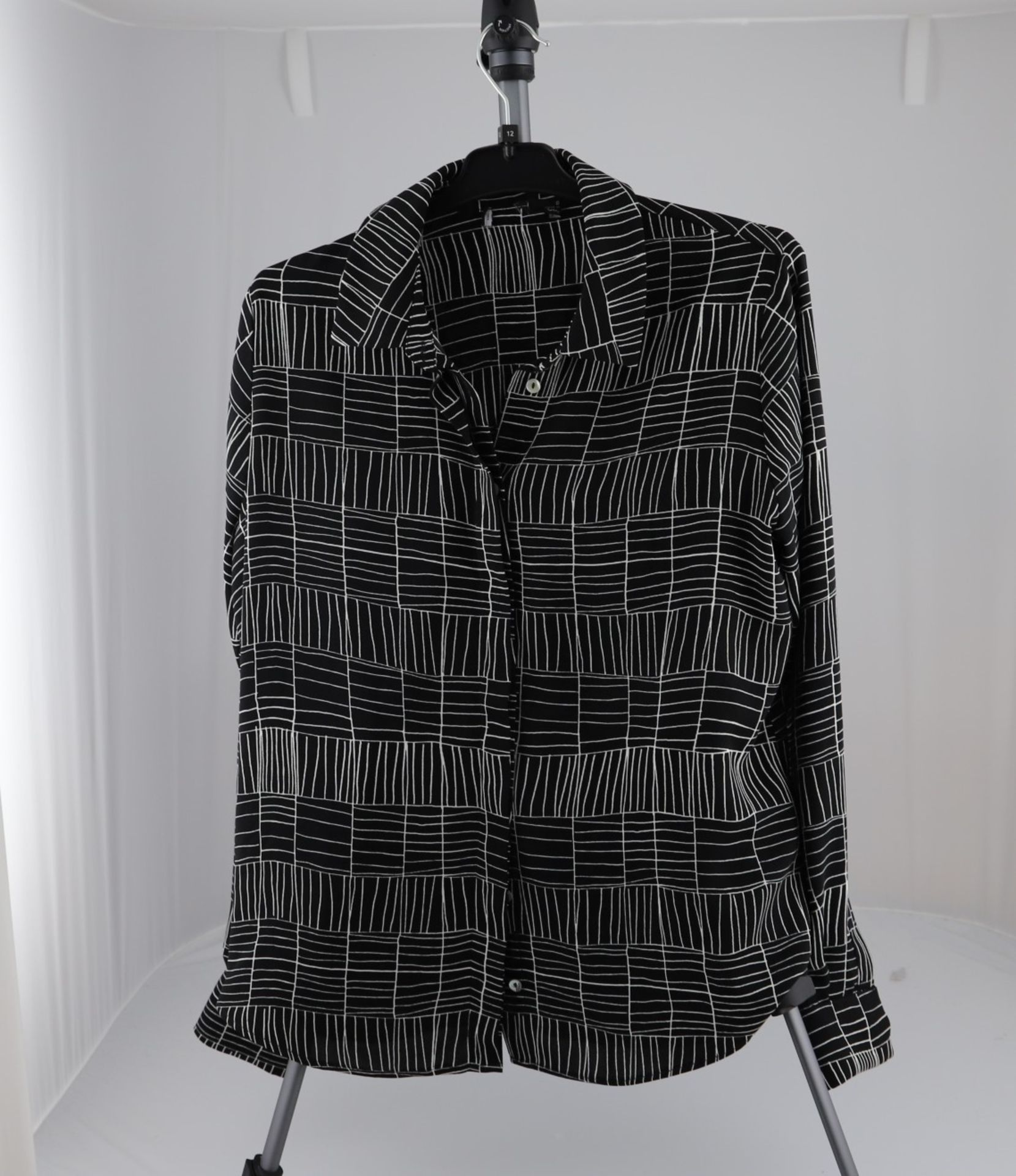 1 x mixed pallet = 307 items of Grade A M&S Womenswear Clothing. Total RRP £4999.00 - Image 7 of 12